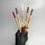 Красный карандаш для отрисовки эскиза Miss Tais